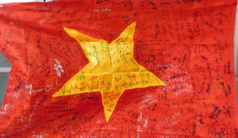 Tôi yêu Việt Nam! Yes, I love Vietnam.