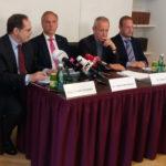 Pressekonferenz: Die Drittelbeschwerde wird unterzeichnet und gelangt weiter zum VfGH