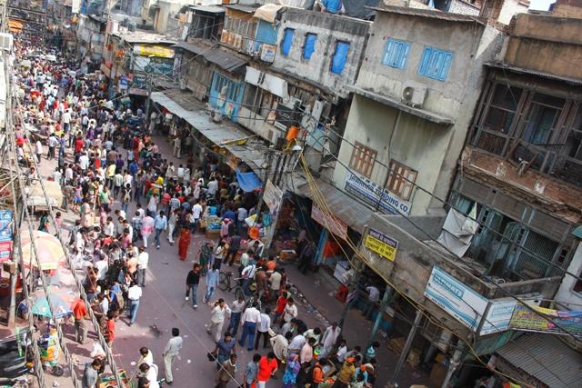 Volle Straße in Delhi