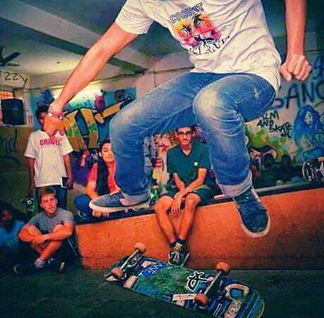Erster Indoor-Skate-Park, im Keller