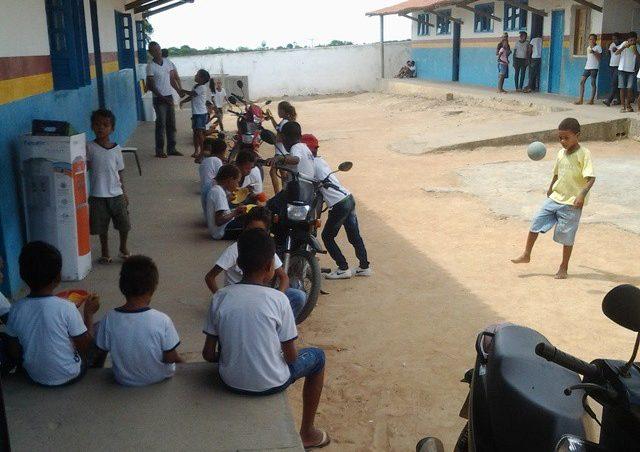 Schule aus TATU