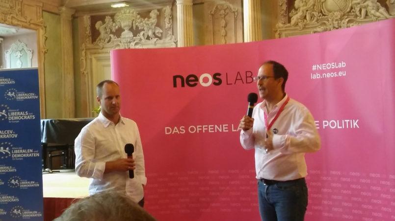 Matthias Strolz (left), the motivator, shortly before his speech