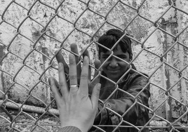 Junger Pakistani eingesperrt im Moria Abschiebezentrum