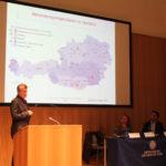 Prof. Karwautz erläutert die Behandlungsmöglichkeiten in Österreich