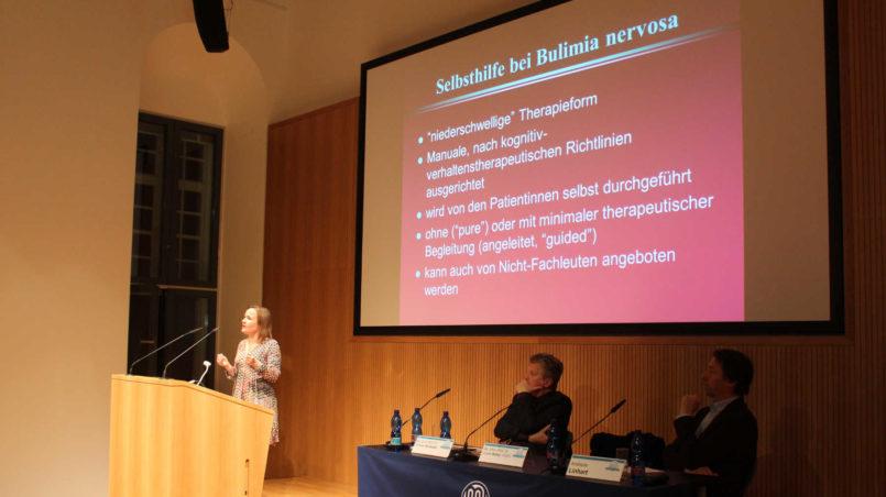 Prof. Bailer berichtet über die Möglichkeiten der Selbsthilfe bei Bulimie