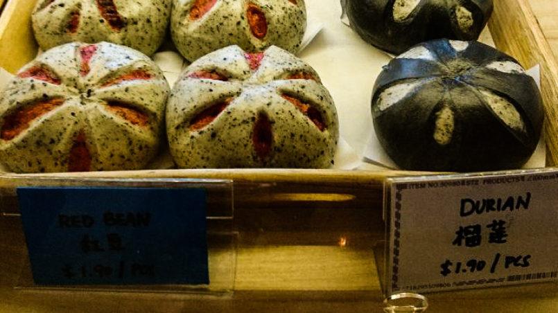Gefüllte Süßigkeiten in Singapur.