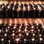01_Kerzen im Tempel