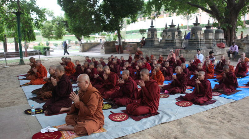 Buddhist_monks_Bodghaya